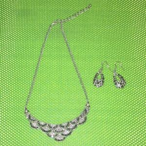 Jewelry - Costume Jewelry 2pc Set Necklace & Earrings Silver